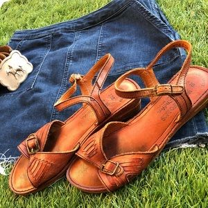 Vintage leather Woodworks sandals by Tom McAn